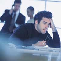Immagine di un uomo stressato