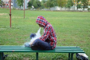 adolescente-sigarette-elettroniche